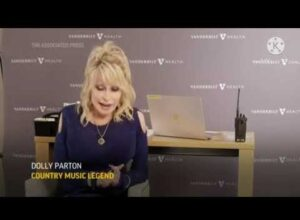 """Dolly Parton Calls Anti-Vaxxers """"Cowards"""" and """"Chicken Squat"""""""